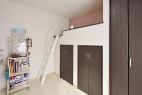 子ども部屋はYさん希望のロフトを設けながら収納も確保するなど使いやすい工夫を!!