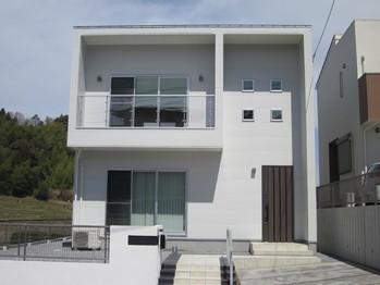笹川の白いお家