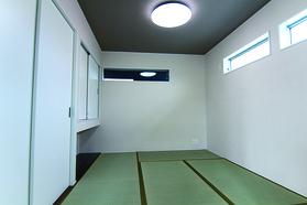 廊下からも出入り可能な和室はLDKに隣接