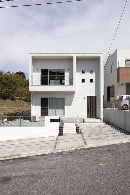 笹川の白い家