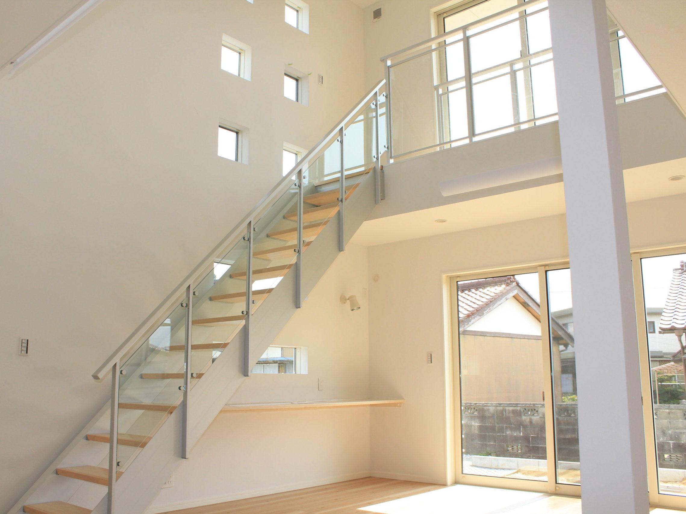 アルミ製オープン階段の家